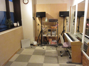 広いスタジオでレッスンしましょ!