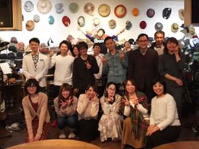 すぐ、お隣の音楽カフェで開催される<br /> 音楽イベントにも楽しく参加しています!