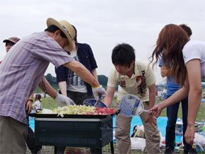 夏にバーベキュー親睦会!!